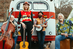 Dana Louise and the Glorious Birds Full Band Promo Photo 1 MPS