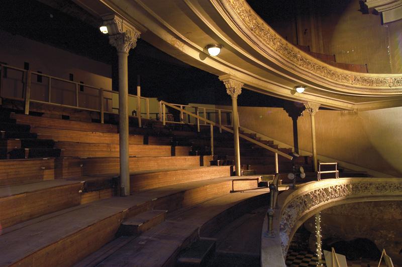 colonial theatre 10.2.03